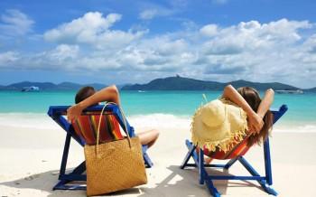 Вредные привычки, мешающие поддерживать форму в отпуске